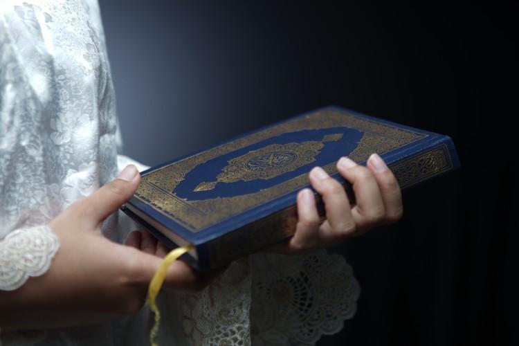 التشكيك في نسبة الجامع الصحيح بصورته الحالية للإمام البخاري
